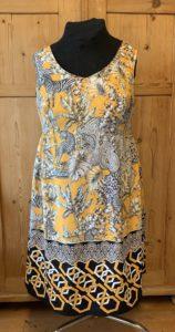 maßgeschneidertes Sommerkleid aus Seide